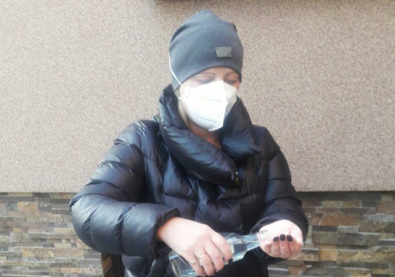 Сім'я з Теребовлі волонтерить: тепер маски