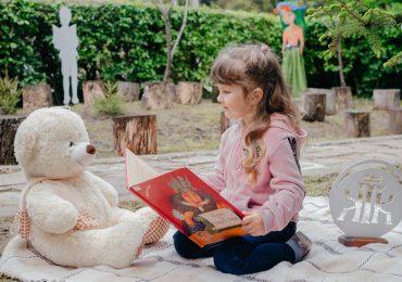 Книжкова фотосесія від книгозбірні